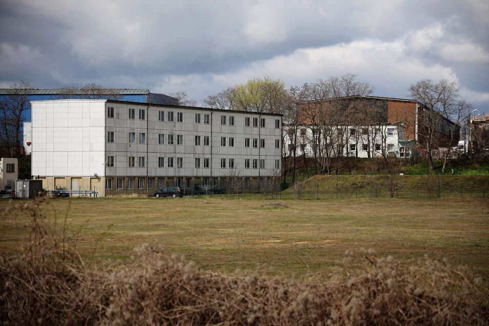 Blick auf den jetzigen Standort des Obdachlosenheims in Riesa. Nach wie vor scheint ein Umzug in weiter Ferne.