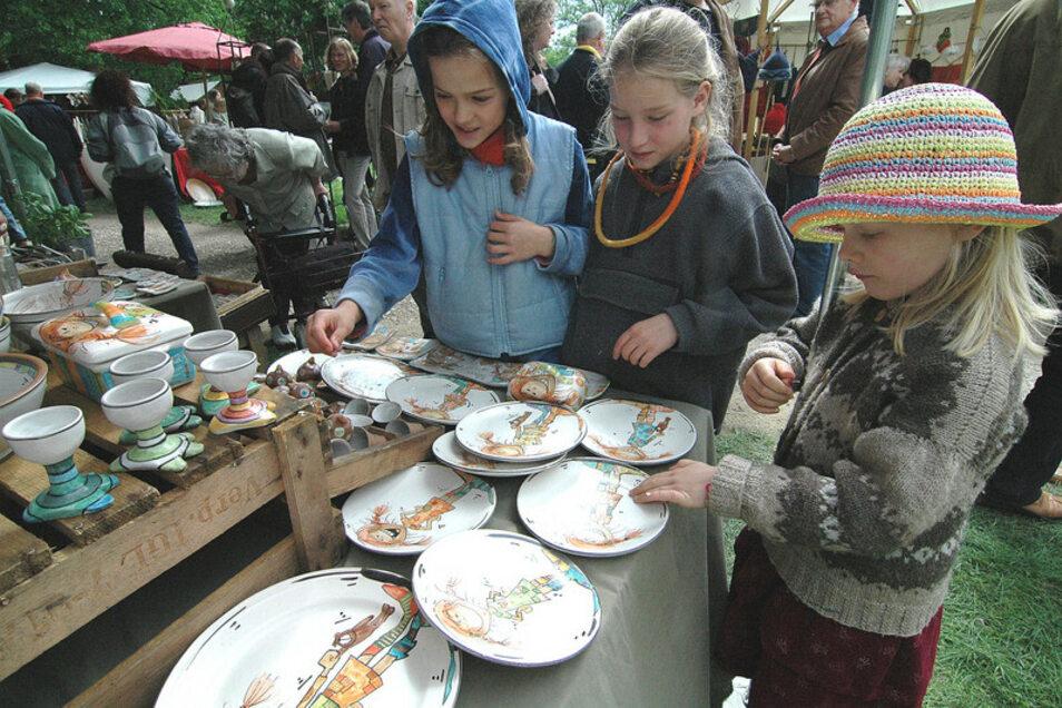 Auf Burg Weesenstein bietet ein Markt der schönen Dinge auch Spannendes für Kinder.