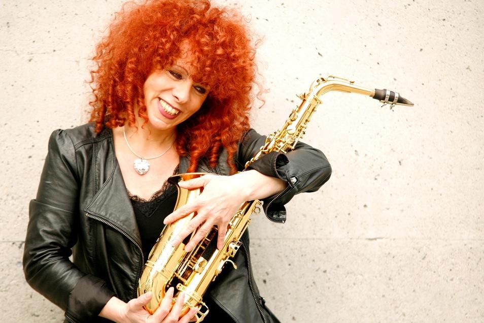 Tina Tandler pflegt ein ganz besonderes Verhältnis zu ihrem Instrument.