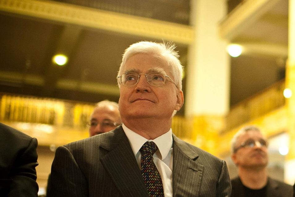 Winfried Stöcker: Der Mediziner hat einen selbst entwickelten Impfstoff gegen Corona ohne große Tests Freiwilligen gespritzt.