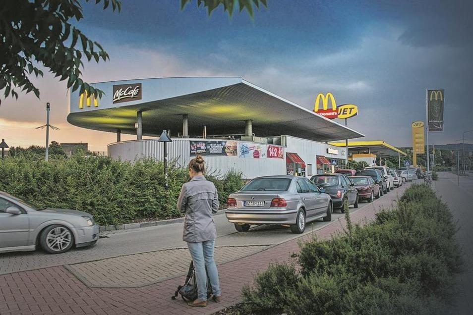 """Die Filiale des Fast-Food-Anbieters im Dresdner Elbepark ist in gewisser Weise """"heimlicher Hauptbahnhof"""" der Stadt."""
