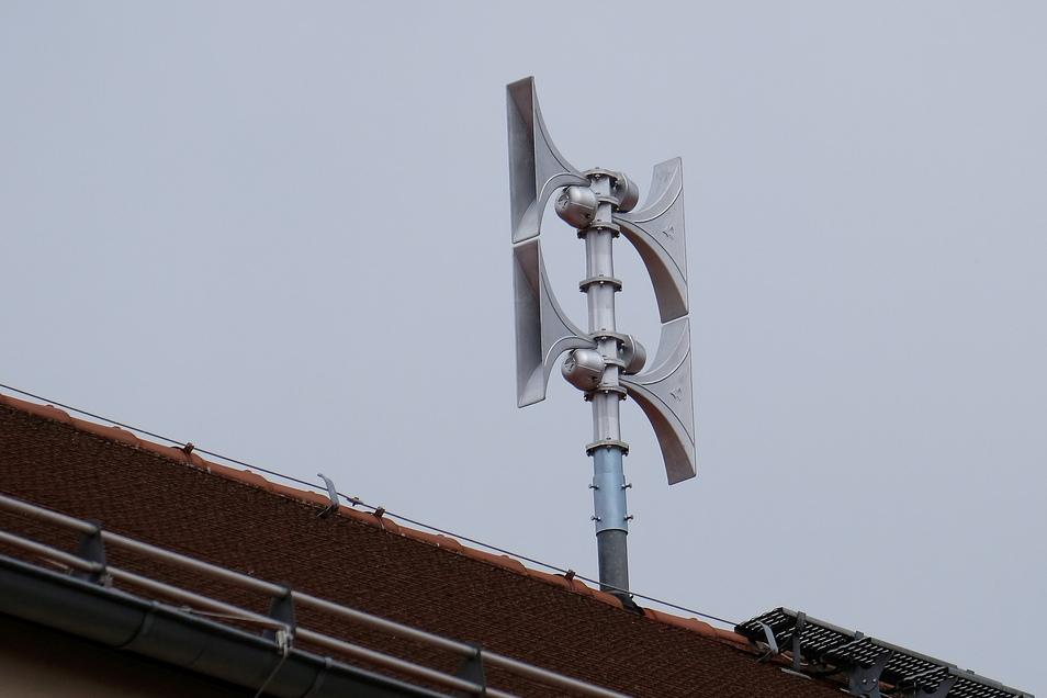 So, wie auf dem Dach der Roten Schule in Meißen, sehen moderne Sirenen aus vielleicht auch die auf dem MFM-Turm am Stadtrand von Roßwein. Dort soll eine neue Sirene installiert werden.