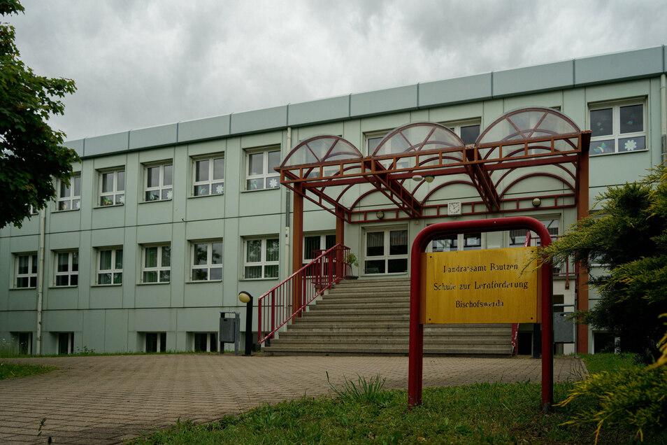 Die Förderschule in Bischofswerda sollte bereits Ende Mai umbenannt werden. Das wurde jetzt nachgeholt.