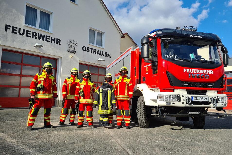 Die Feuerwehr hat am 6. März neue Einsatzkleidung bekommen. Die wurde durch durch die Gemeinde finanziert.