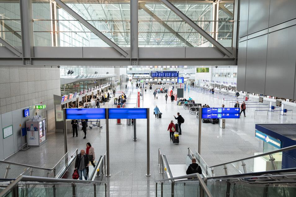 Das Terminal 2 des Flughafen Frankfurt. Aufgrund des Coronavirus sind zahlreiche Flüge gestrichen worden.