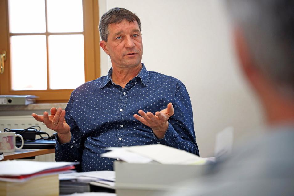 Der Stauchitzer Bürgermeister Dirk Zschoke (parteilos) hat wenig Verständnis für die Notbremse.