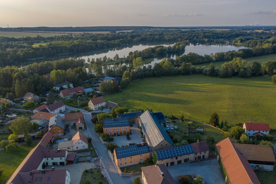 Der große Dreiseithof von Heike Schulz und Jens Richter liegt genau am Eingang zum Malschwitzer Teichgebiet.