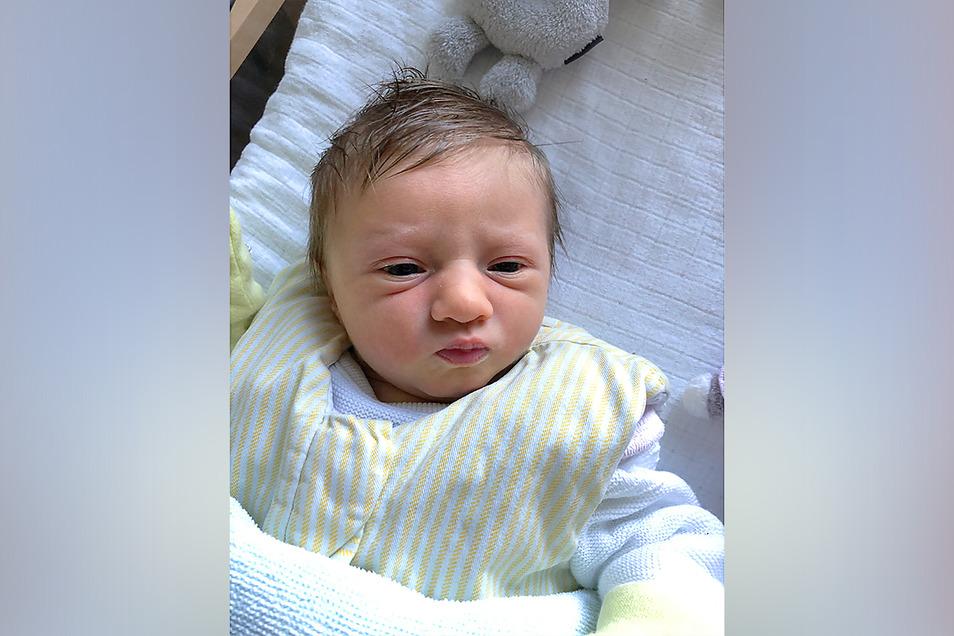 Emilia, geboren am 4. Mai 2020, Geburtsort: Zittau, Gewicht: 3.018 Gramm, Größe: 52 Zentimeter, Eltern: Sandra und Dominique Kieneck, Wohnort: Löbau
