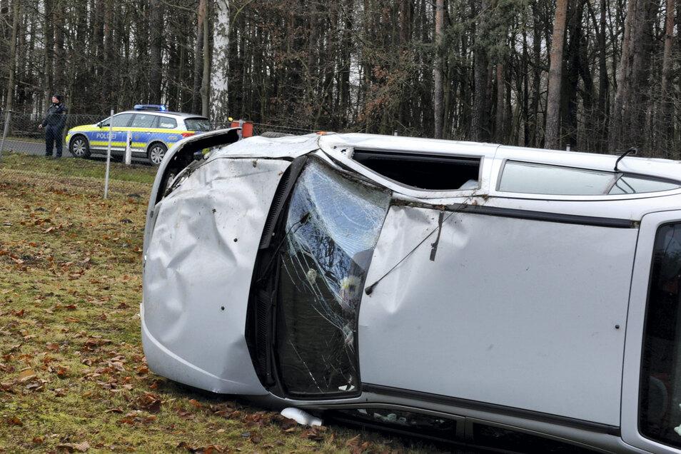Ein Bild von der Unfallstelle, die zwischen Kreba-Neudorf und Reichwalde liegt.