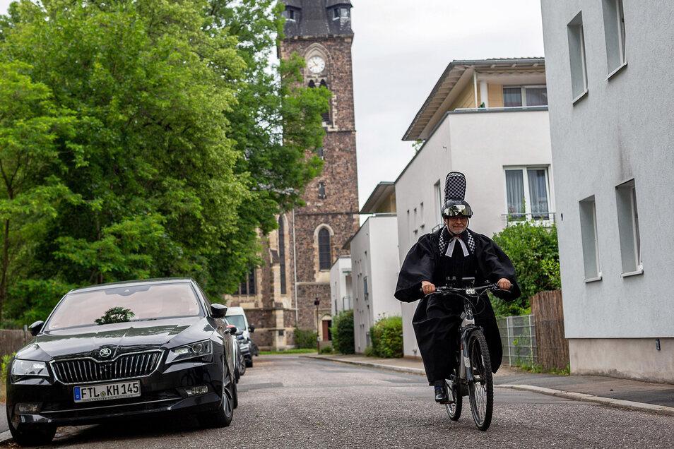 Das Fahrrad war für den Pfarrer in den vergangenen Jahren das Verkehrsmittel der Wahl, um schnell durch Freital zu kommen - auch im Talar, wenn die Zeit zwischen den Gottesdiensten knapp war.