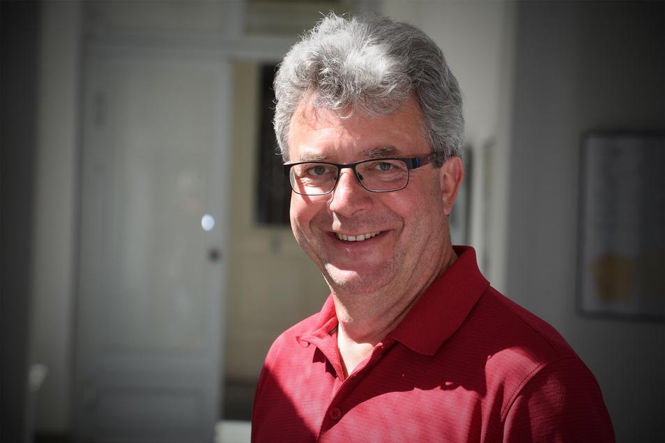 Großschönaus Bürgermeister Frank Peuker ist aus der SPD ausgetreten.