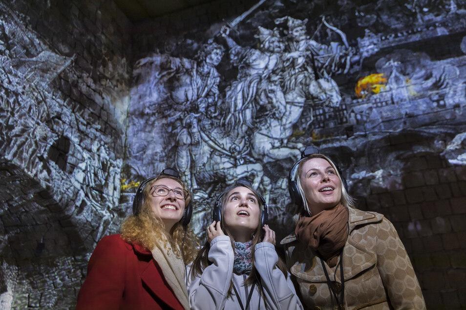 Dank modernster Technik tauchen die Besucher bei Dresden Xperience in die Geschichte der Stadt ein.