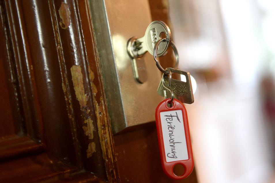 Hunderte Wohnungen in Dresden werden dauerhaft als Ferienwohnungen genutzt, zeigt eine Studie.