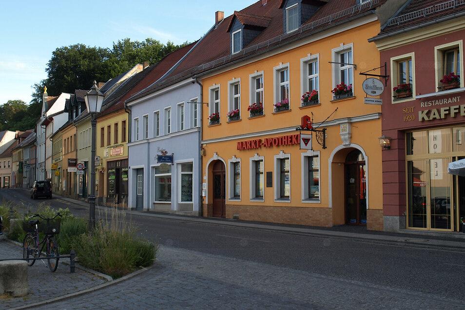 Seit nunmehr 360 Jahren gibt es die Markt-Apotheke in Bad Muskau, in deren Innerem noch manch historischen Beleg für die lange Geschichte sichtbar ist.