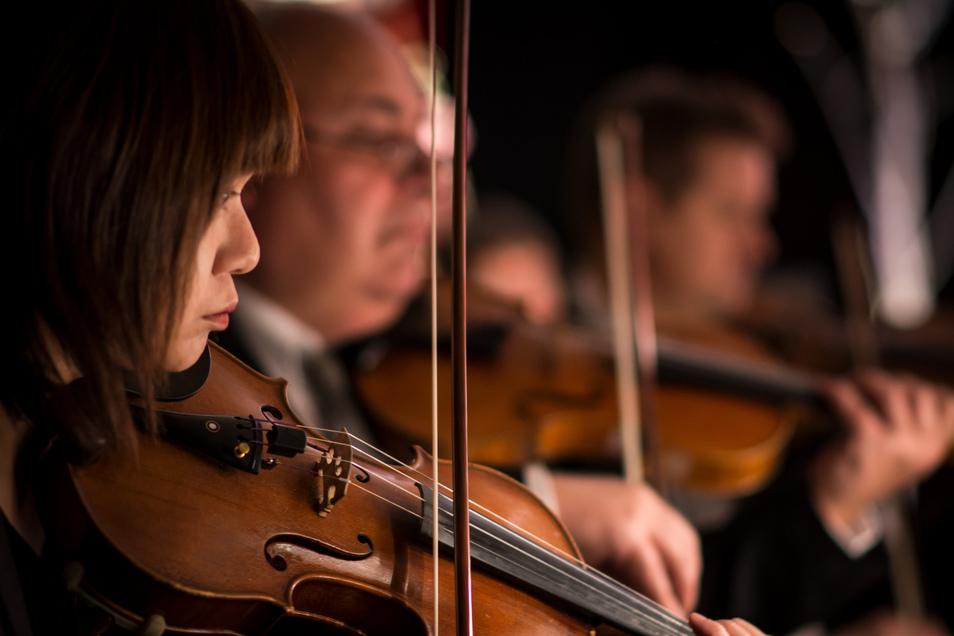 Im Bautzener Dom musizieren am Sonntag Künstler vom Sorbischen National-Ensemble und dem Vokalensemble St. Petri gemeinsam.