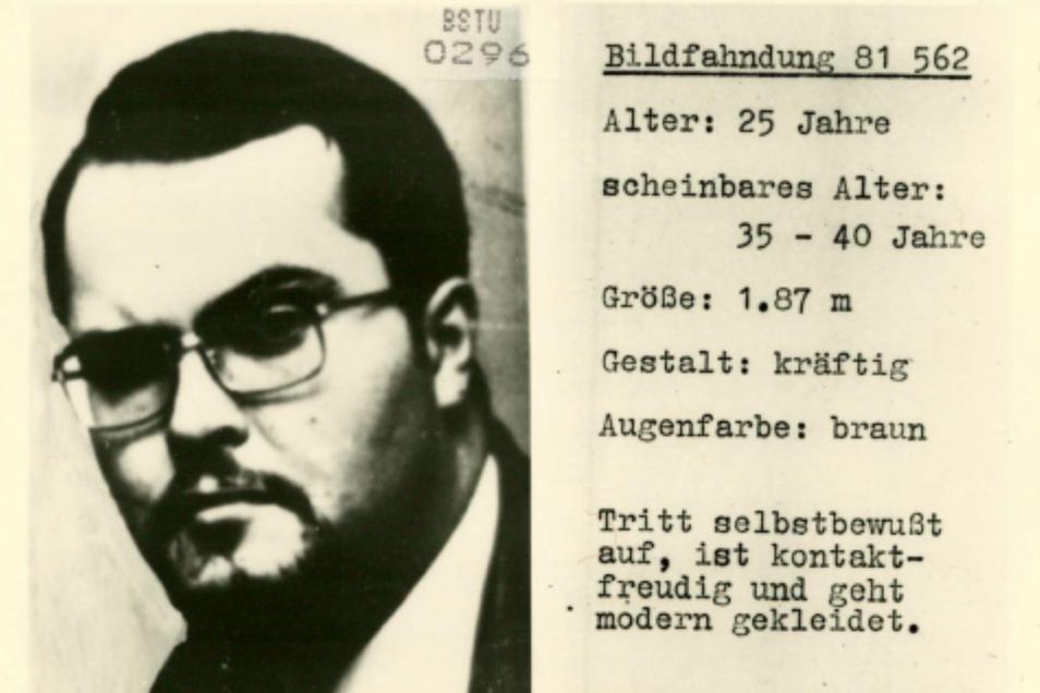 """Gerhard Eisenkolb – Stasi-Deckname """"Kapitän"""" – und ein Ausschnitt aus dem Dossier, das die DDR-Staatssicherheit von ihm angefertigt hatte."""