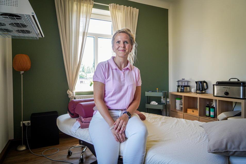 Die gebürtige Burkauerin Isabel Klektau hat im Juni ihre neue Praxis in Großharthau eröffnet. Hier wendet die Ergotherapeutin unter anderem die Traditionelle Chinesische Medizin an.