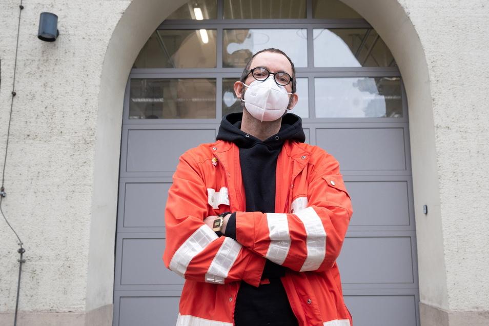 """Rettungsdienst-Mitarbeiter Jan Groth und seine Kollegen fürchten """"eine massive Veränderung"""" ihres Arbeitsumfeldes."""