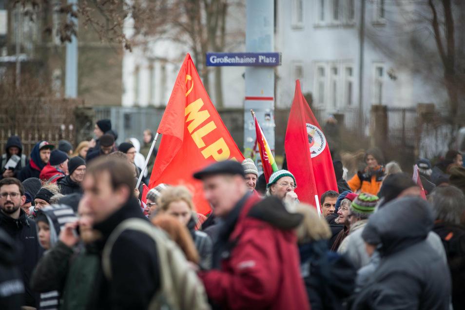 In Dresden tritt die MLPD bei Demonstrationen auf.