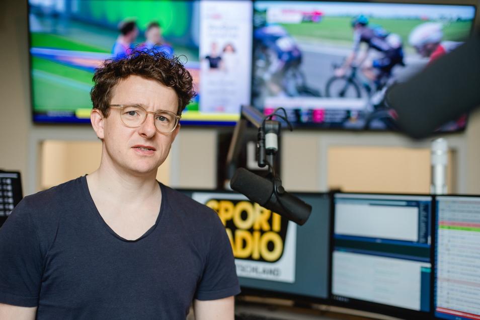 Ein Blick in das Studio vom neuen Sportradio Deutschland, dessen Programmchef Alexander Fabian ist. Seit Ende Mai berichtet der Sender aus Leipzig.