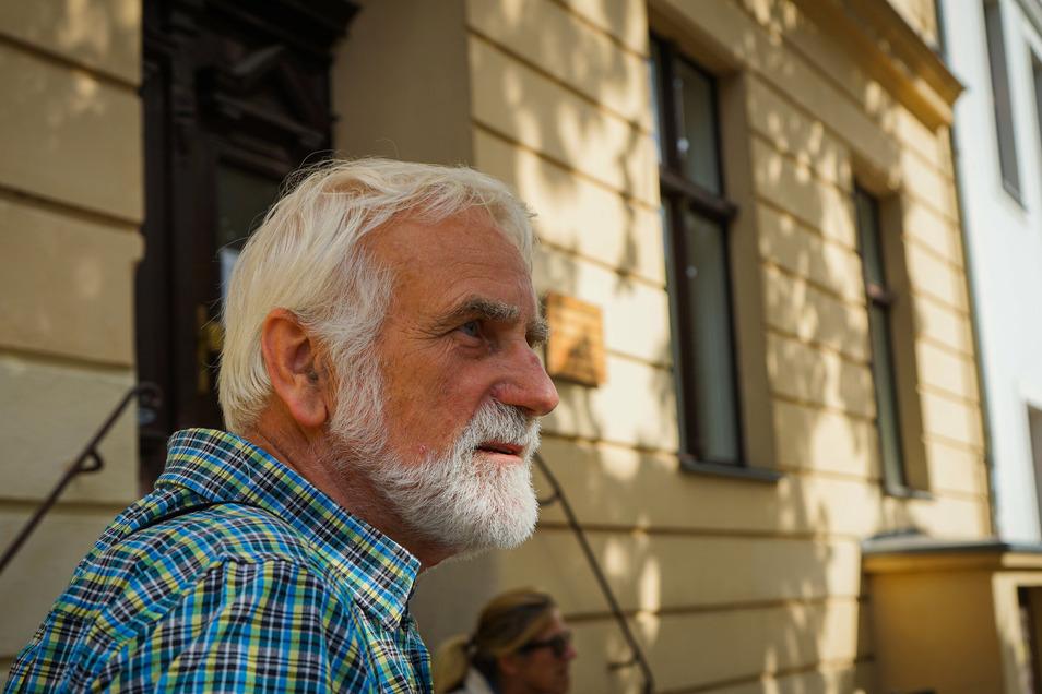 Michael Heinroth, Restaurator, begann 1988, verfallende Häuser in Potsdam zu dokumentieren.
