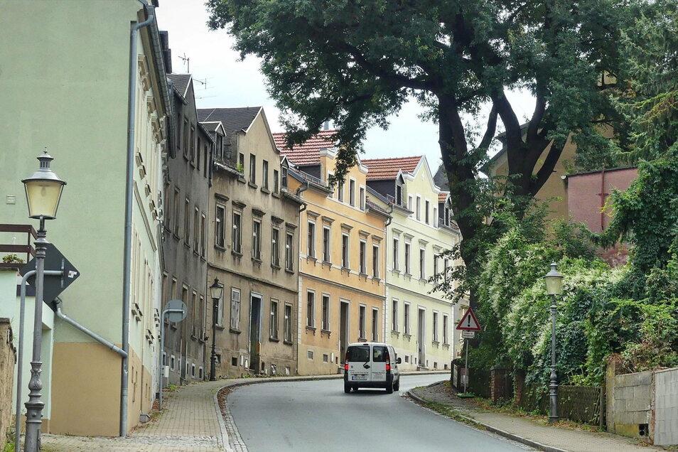 Im beschaulichen Lommatzsch soll sich auf der Königsstraße ein schweres Verbrechen ereignet haben. Die mutmaßlichen Täter sitzen seit Dienstag vor dem Dresdner Landgericht.