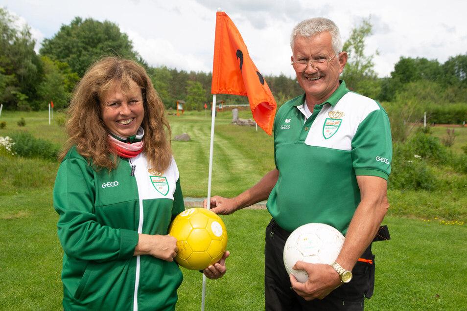Die Inhaber Dagmar und Ralf Fellendorf öffnen wieder ihre Soccergolf-Anlage in Ottendorf-Okrilla. Der Saisonbeginn musste wegen Corona verschoben werden.