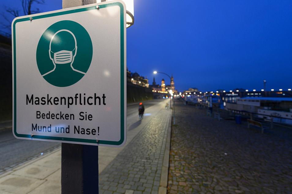 Der Lockdown in Sachsen scheint seine Wirkung zu entfalten. Die Straßen sind seit Montag deutlich leerer.