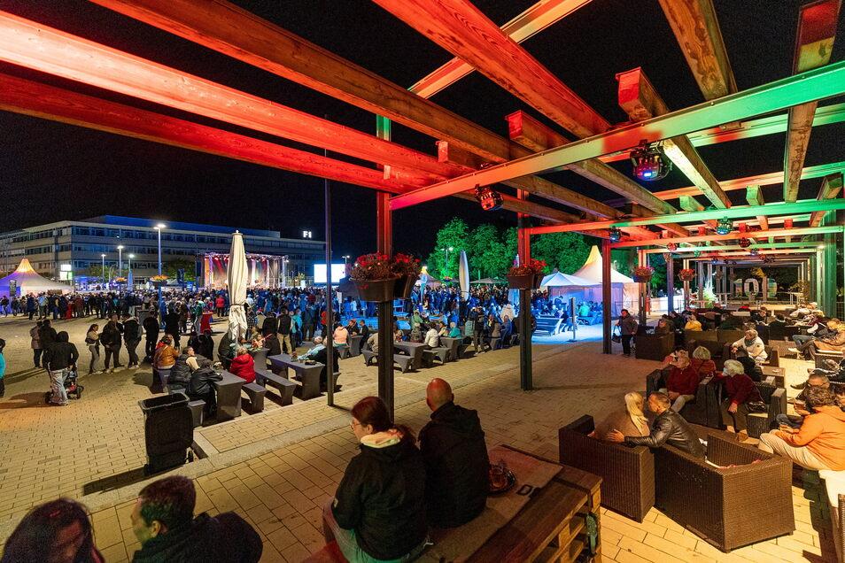 Der Neumarkt war am Abend in stimmungsvolles Licht gehüllt.