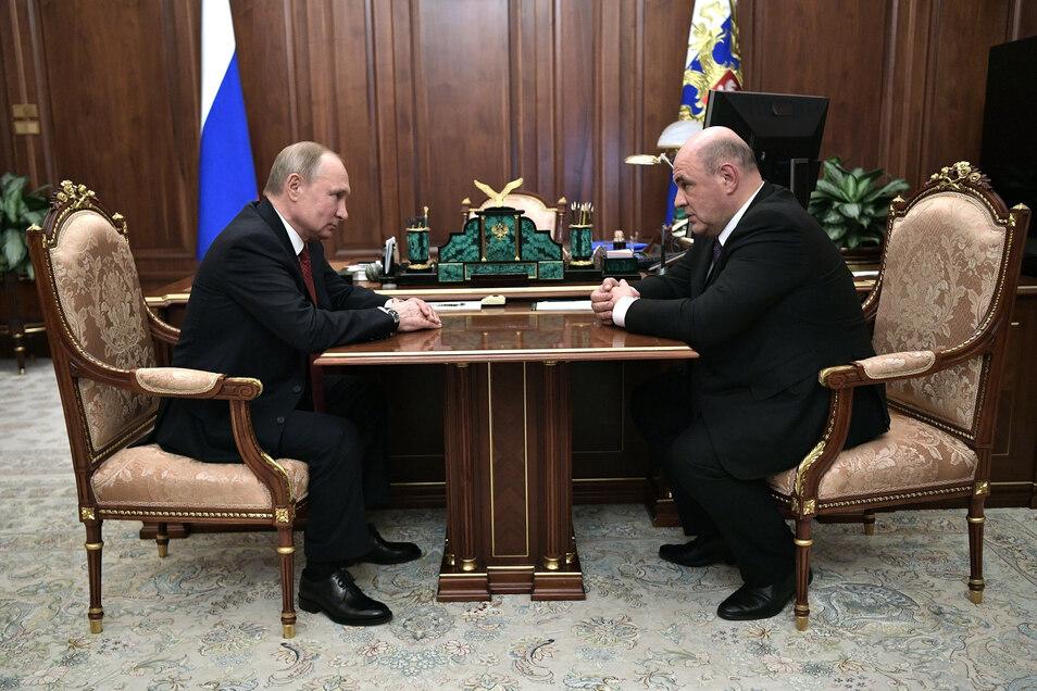 Präsident Wladimir Putin hat Michail Mischustin, den Leiter der russischenSteuerbehörde,für den Posten des Regierungschefs vorgeschlagen.