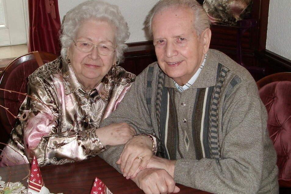 Helga und Horst Kuhnt aus Görlitz sind seit 70 Jahren verheiratet.