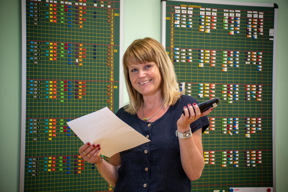 Schulleiterin Annett Lorenz-Ziegenbalg managt nach neun Wochen Home-Schooling in der Grundschule Waldheim den Neustart. Wegen der Auflagen, die aufgrund der Corona-Pandemie erfüllt werden müssen, ist ihr Organisationstalent gefragt.