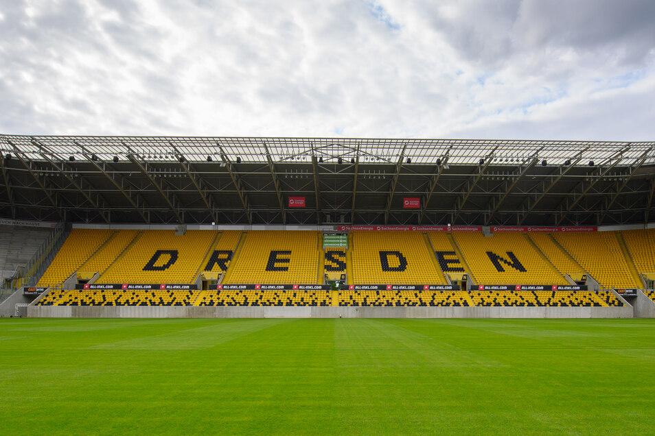 Lange mussten die Tribünen im Rudolf-Harbig-Stadion leer bleiben, doch das ändert sich in dieser Saison wieder.