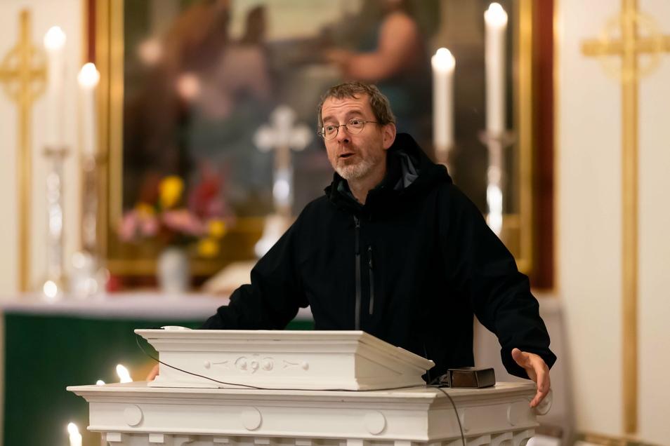 Allein in der Christuskirche in Bischofswerda wird es Heiligabend acht Gottesdienste geben, kündigt Pfarrer Martin Rasch an.