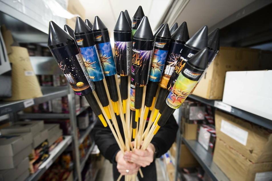 Nach einem Beschluss von Bund und Ländern ist der Verkauf von Feuerwerk verboten. Nun auch in der Stadt Löbau das Abfeuern oder Abbrennen.