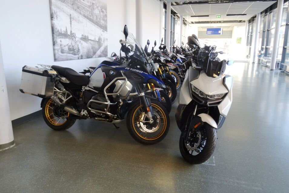 Wer mag, kann sich hier ein gebrauchtes Motorrad aussuchen.