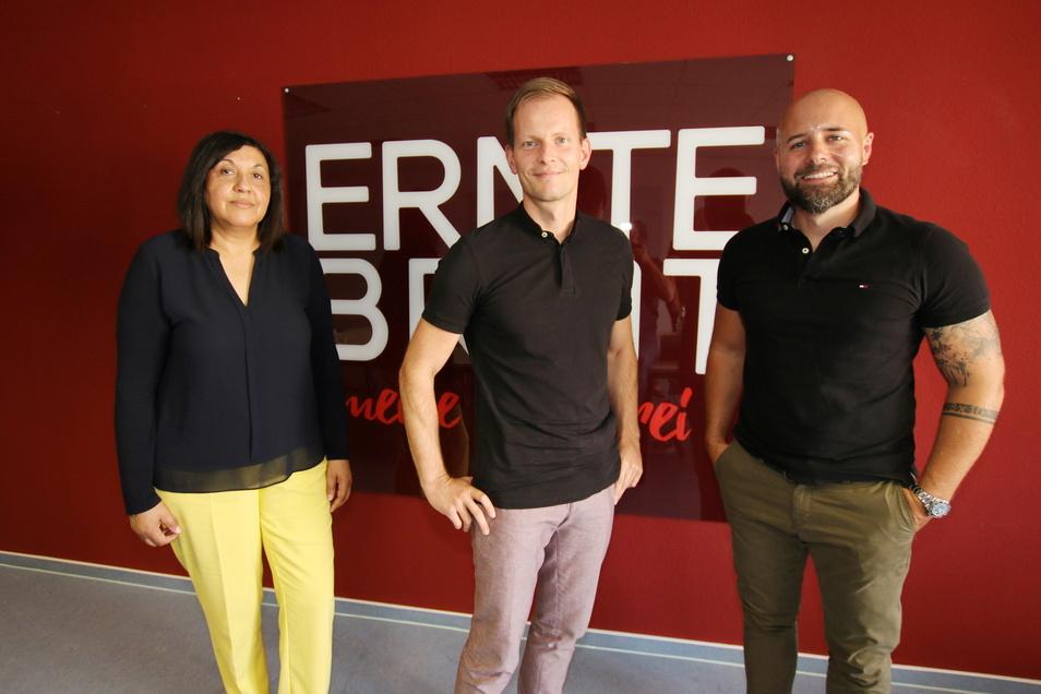 Geschäftsführerin Elke Lehmann (von links) ist schon lange bei Erntebrot. Gunnar Hopfe und Dominic Asche haben die Firma in der Insolvenz erworben.