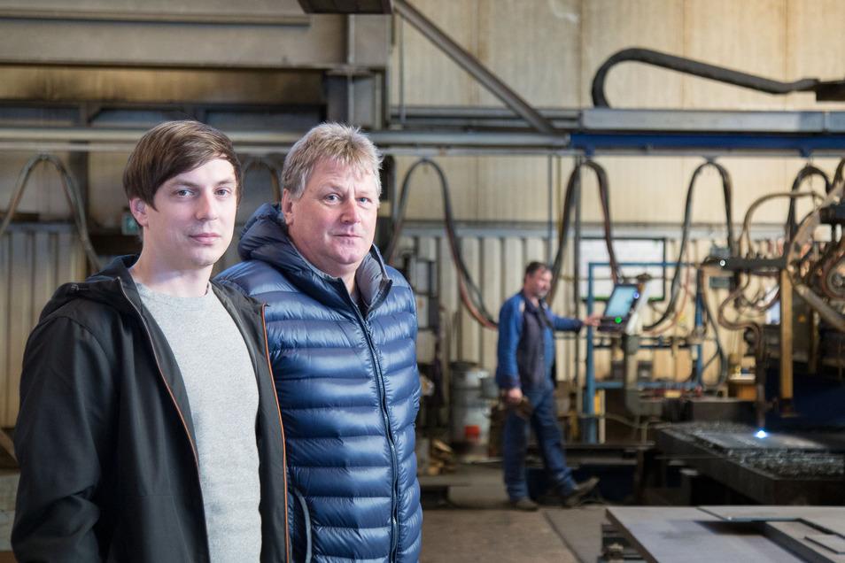 Geschäftsführer Philipp Hänel (links) und Produktionsleiter Frank Sommer sind zuversichtlich, dass neue Aufträge auch mehr Mitarbeiter in der Stahl Technologie Niesky bedeuten werden.