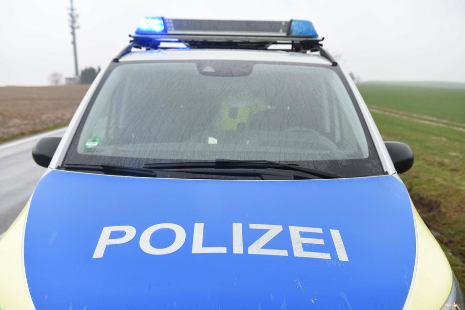 Die Polizei untersucht einen Unfall nahe dem Sachsenplatz.