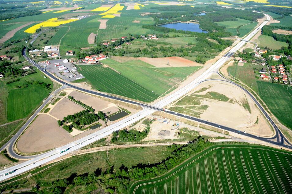 Da war sie fast fertig: Die Autobahn A 4 bei Zgorzelec vor fünf Jahren. Seit ihrer Fertigstellung hat sich der Transit- und Güterverkehr deutlich erhöht.