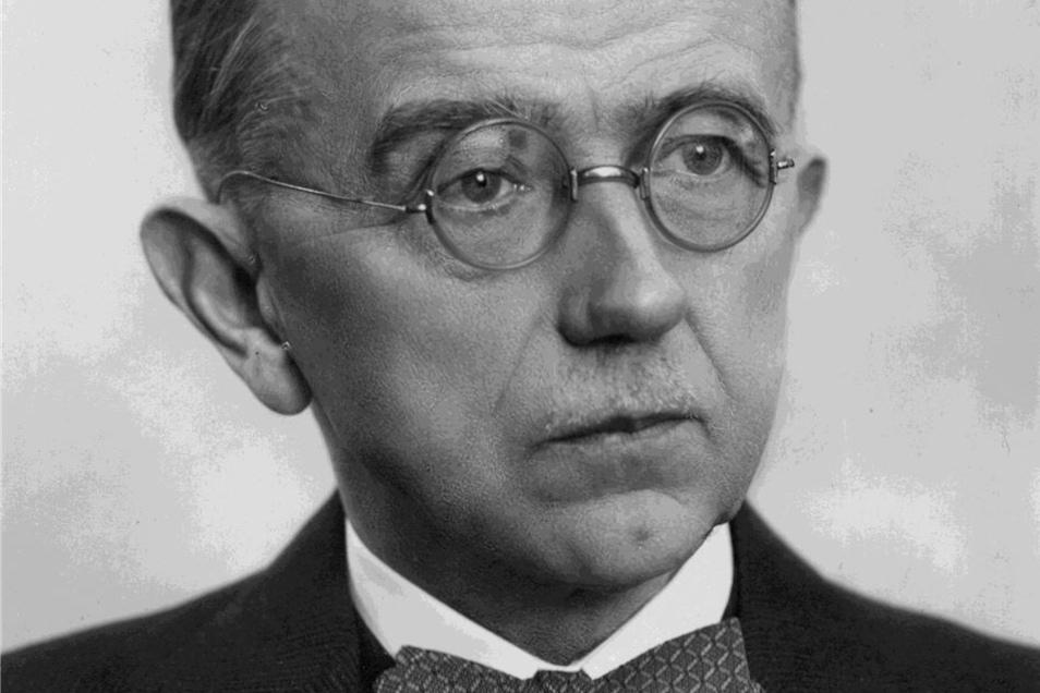 """Emil Zöllner , 1879 in Dresden geboren, starb 1948 in Meißen. Er hat sich verdient um die Erforschung des """"Elbvolkes"""" gemacht."""