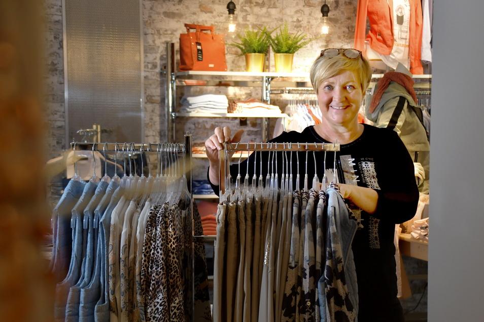 Simone Röthig ist mit ihrem Geschäft No.1 Mode erst vor wenigen Wochen umgezogen. Sie hofft auf ein schnelles Ende des Lockdowns.