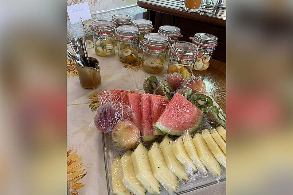 Selbst die Obststücken sind im Hotel Glocke in Plastikfolie eingeschlagen.
