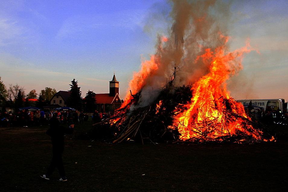 Das vom Nieskyer Feuerwehrverein regelmäßig organisierte Hexenfeuer findet in diesem Jahr nicht statt. Stattdessen werden Geistertickets verkauft.