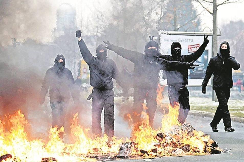 Von dort aus sollen am gleichen Tag die Krawalle bei Demonstrationen gegen Neonazis in der Südvorstadt organisiert worden sein.