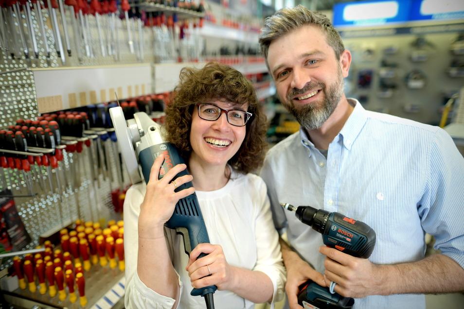 """Marie und Christian Schwarzbach sind die sechste Generation in Zittaus ältestem Geschäft """"Theile & Wagner""""."""