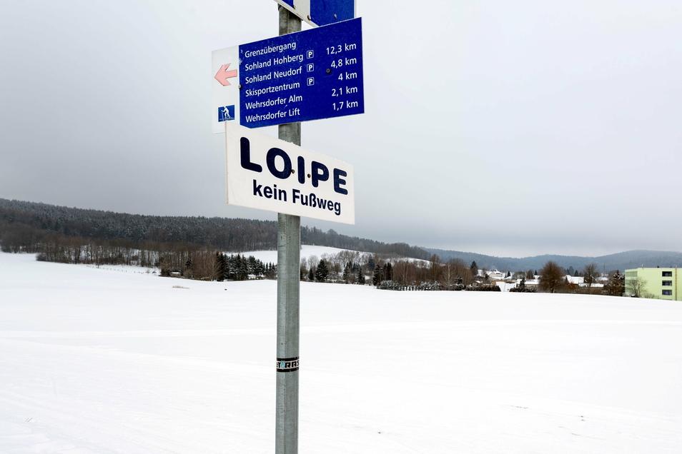 Weil die Loipe am Sohlander Bauhof wegen Forstarbeiten nicht gespurt werden kann, gibt es eine neue Strecke in Wehrsdorf. Die beginnt an der Turnhalle und führt über das Waldbad wieder zurück.