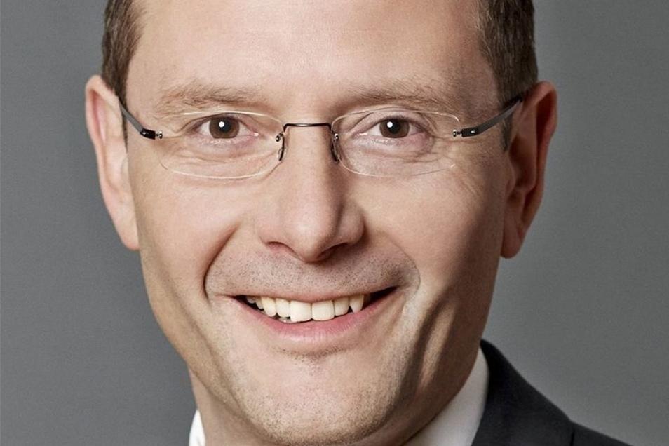 Markus Ulbig (CDU) ist seit 2009 sächsischer Innenminister. Für den Kampf gegen Kriminelle fordert er mehr Rechte für Polizisten.