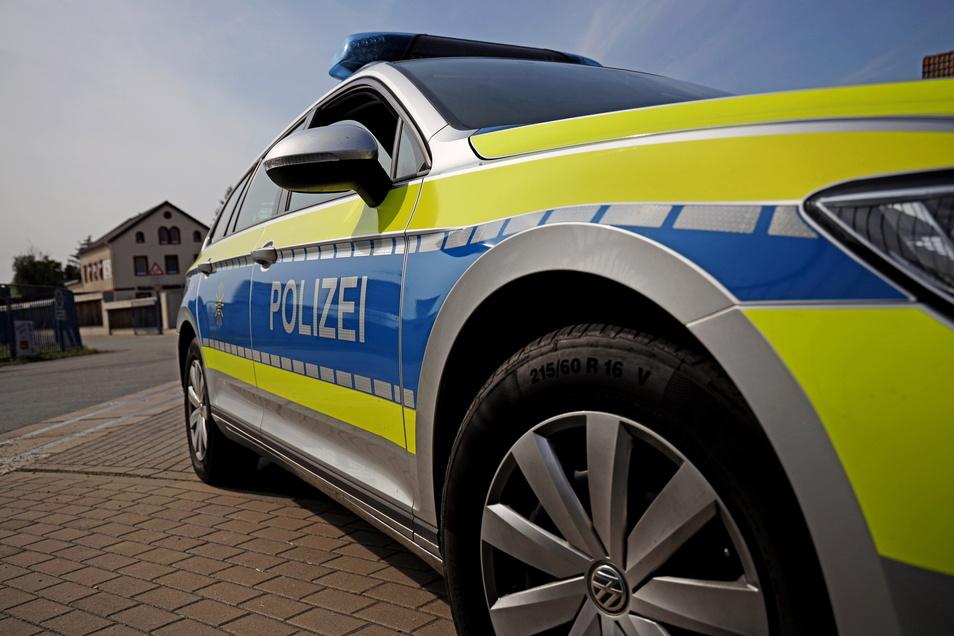 Die Polizei ermittelt nach einem Unfall, der sich am Mittwoch auf der A 4 bei Bautzen ereignet hat.