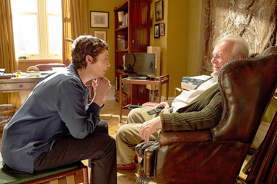 Anthony (Anthony Hopkins) leidet zunehmend unter Stimmungsumbrüchen und Vergesslichkeit. Für ihn und das Verhältnis zu seiner Tochter Anne (Olivia Colman) wird das mehr und mehr zu einer seelischen Belastung.